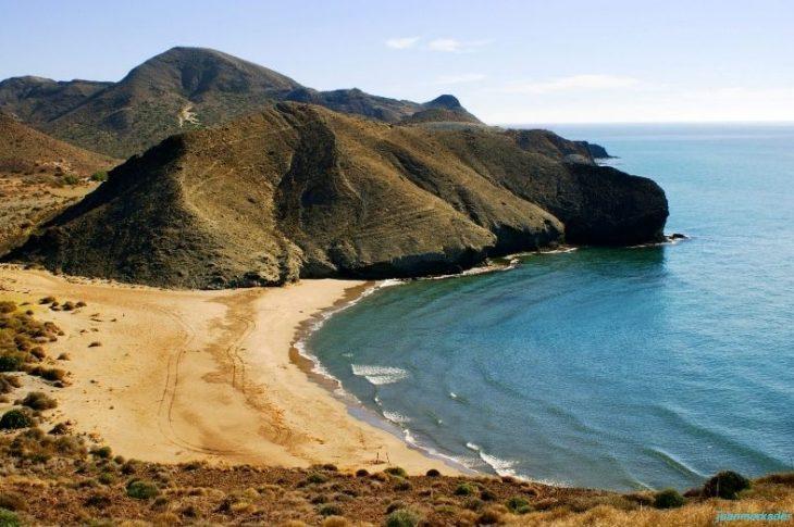 Playa Cala de la Media Luna